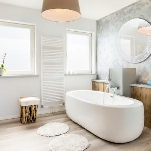 חדר אמבטיה מראה לבנה