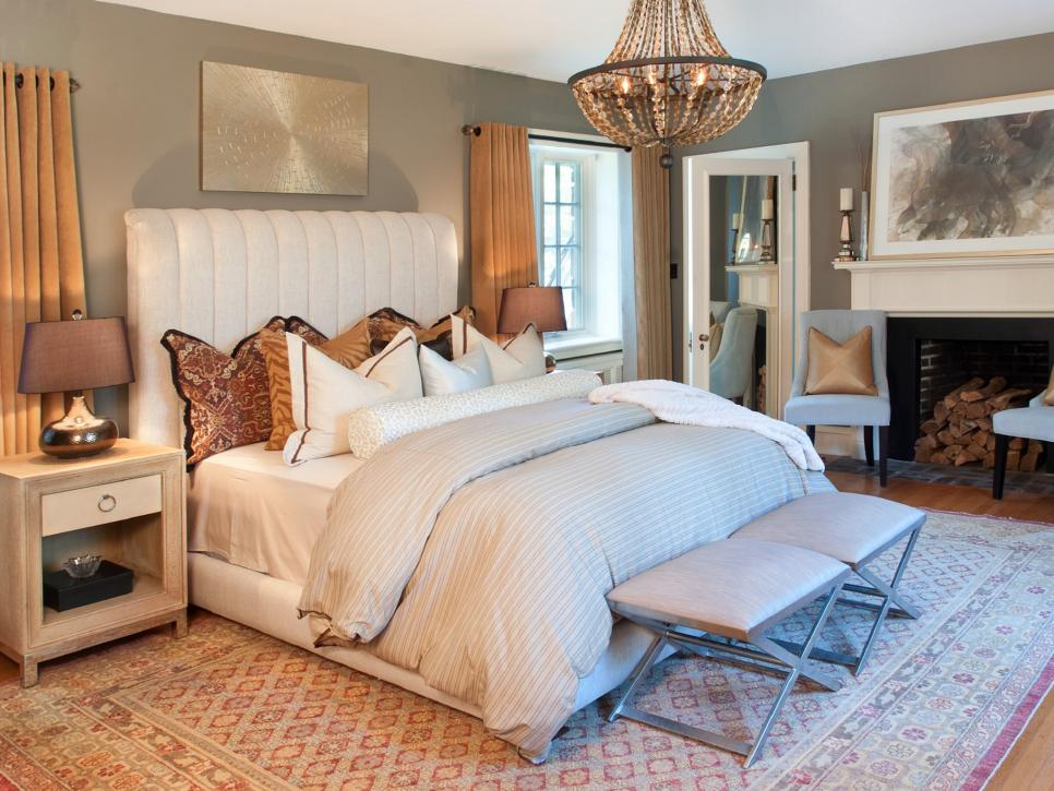 DP_Nile-Johnson-brown-transitional-wide-shot-bedroom_h.jpg.rend.hgtvcom.966.725